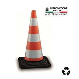 TUTA MONOUSO DA LAVORO CON CAPPUCCIO MICROPOROSA LAMINATA 3M 4520 - categoria III tipo 5/6